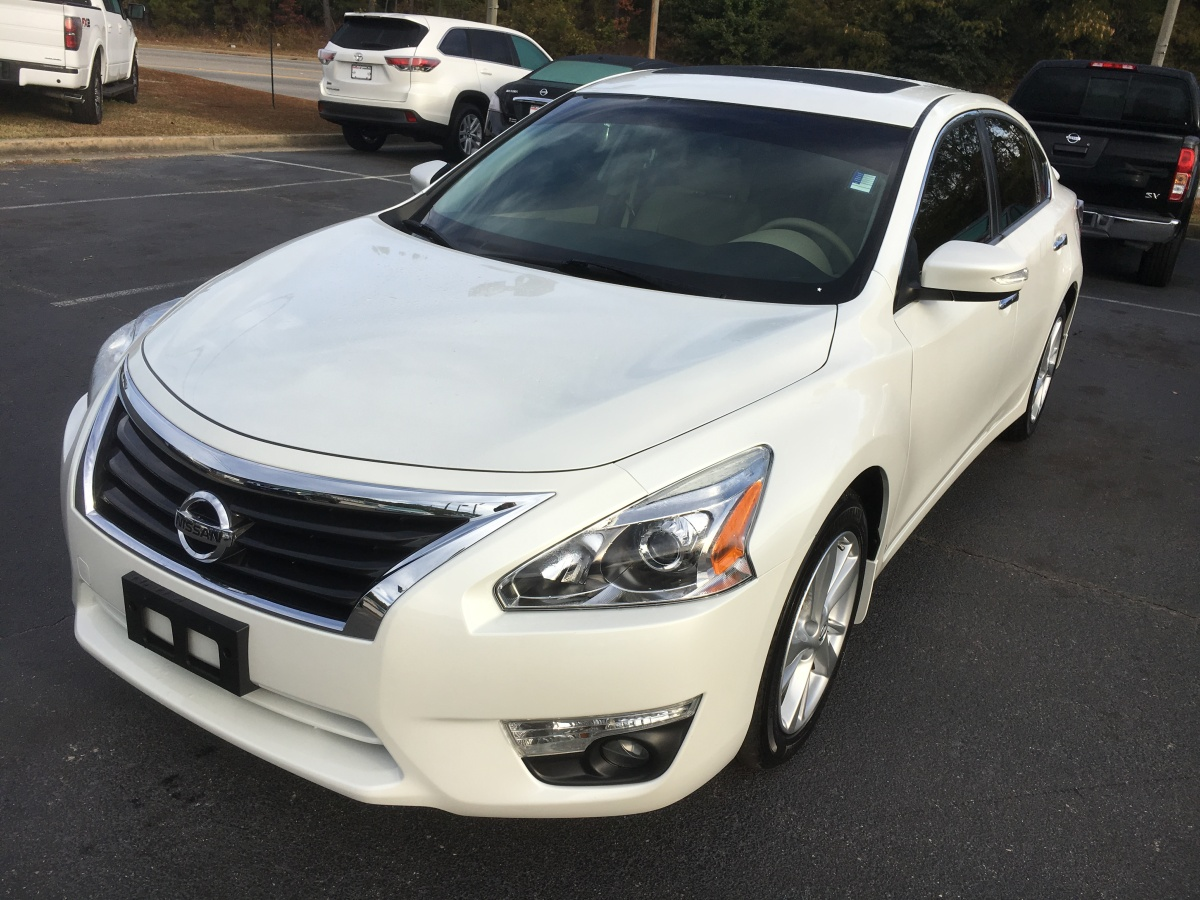 2015 Altima SL with Tech Package in the Best Color Combination – Just Traded!