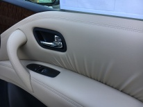 17-armada-platinum-4x4-pearl-white-beige-almond-cloth-captains-chairs-nissan-of-lagrange-atlanta-columbus-newnan-40