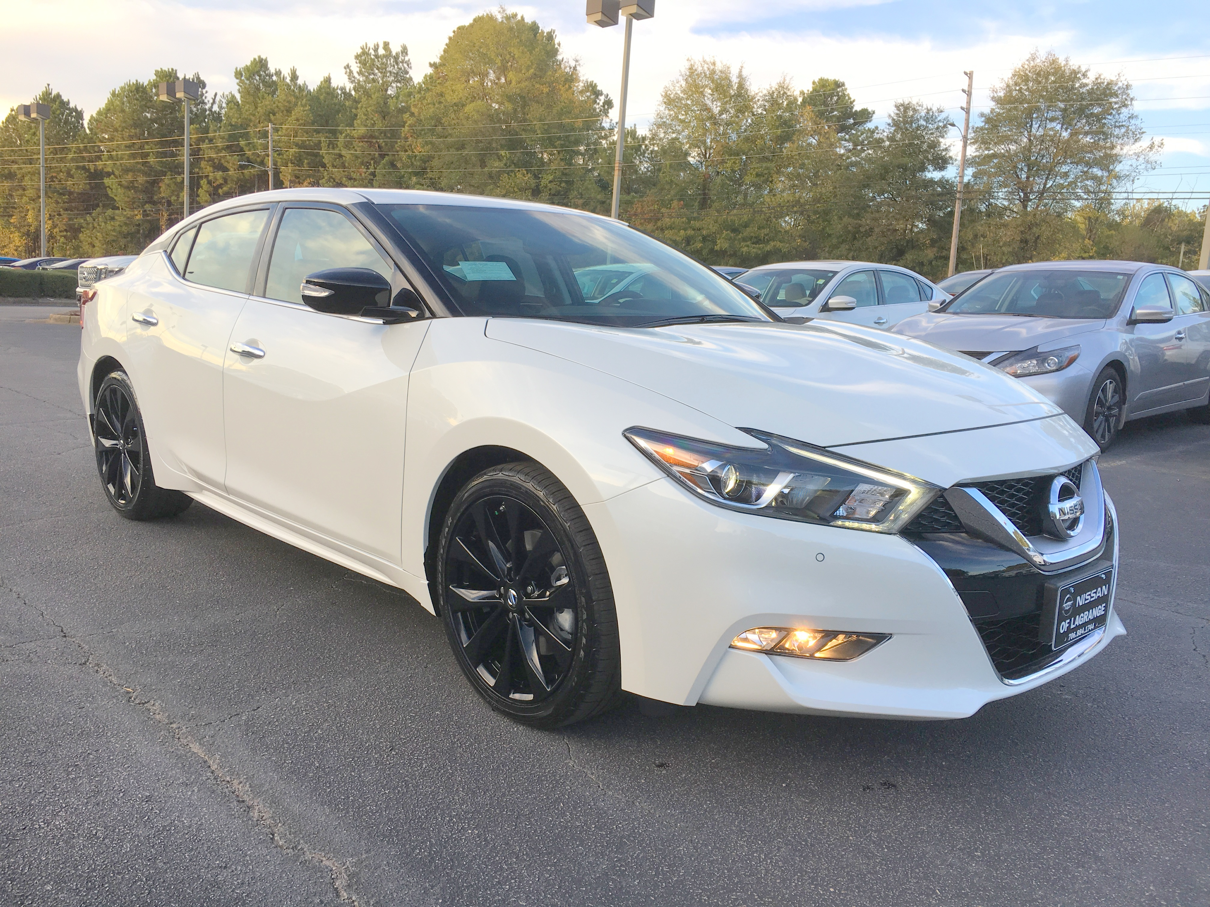 2017 nissan maxima 3 image gallery hcpr 2017 nissan maxima sr midnight edition pearl white vanachro Images