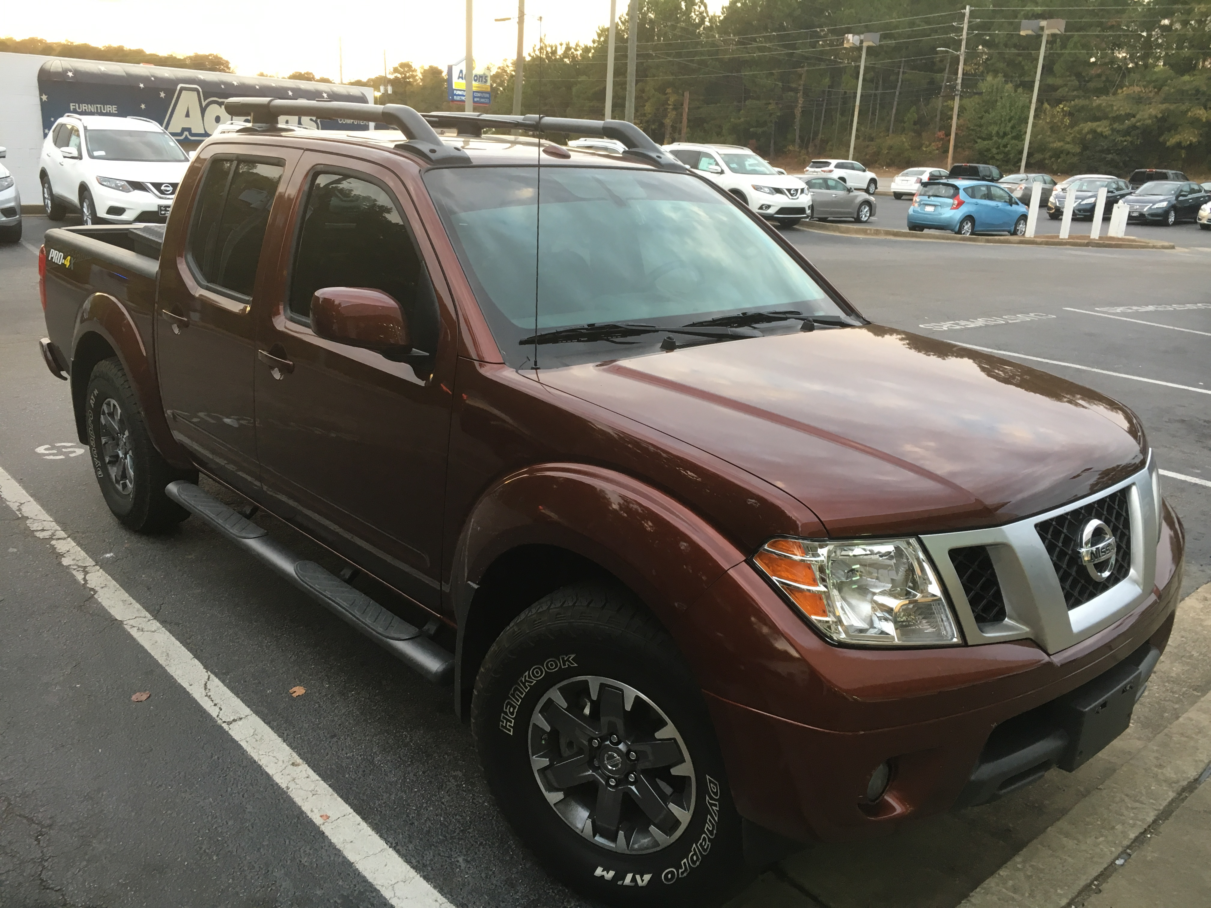 used forged copper 2016 nissan frontier crew cab pro4x with luxury package under 8000 miles. Black Bedroom Furniture Sets. Home Design Ideas