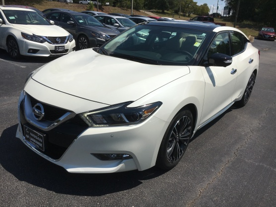 17-maxima-platinum-medallion-pearl-white-cashmere-leather-nissan-of-lagrange-atlanta-auburn-columbus-newnan-1