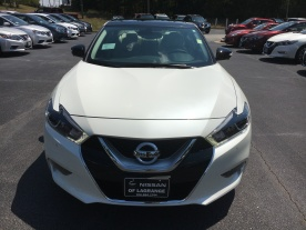 17-maxima-platinum-medallion-pearl-white-cashmere-leather-nissan-of-lagrange-atlanta-auburn-columbus-newnan-2