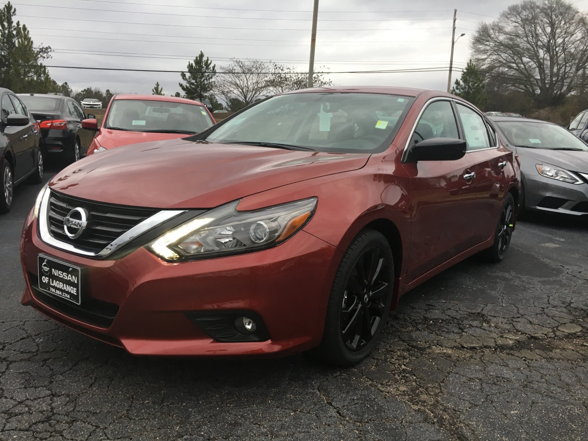 Midnight Edition Altimas have arrived at Nissan of LaGrange