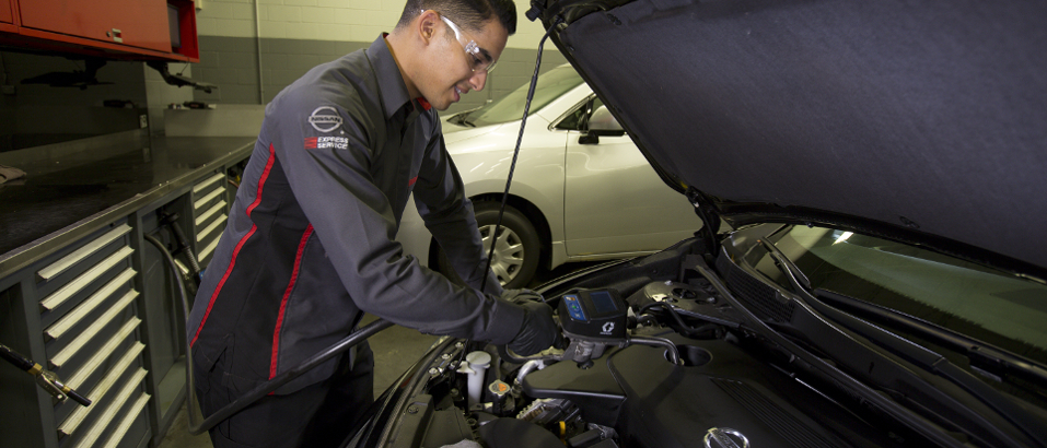 Express Service Update – Why get your oil changed at Nissan of LaGrange?