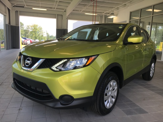 2017 Rogue Sport S Nitro Lime Nissan of LaGrange Atlanta Auburn Columbus Newnan Carrollton (1)